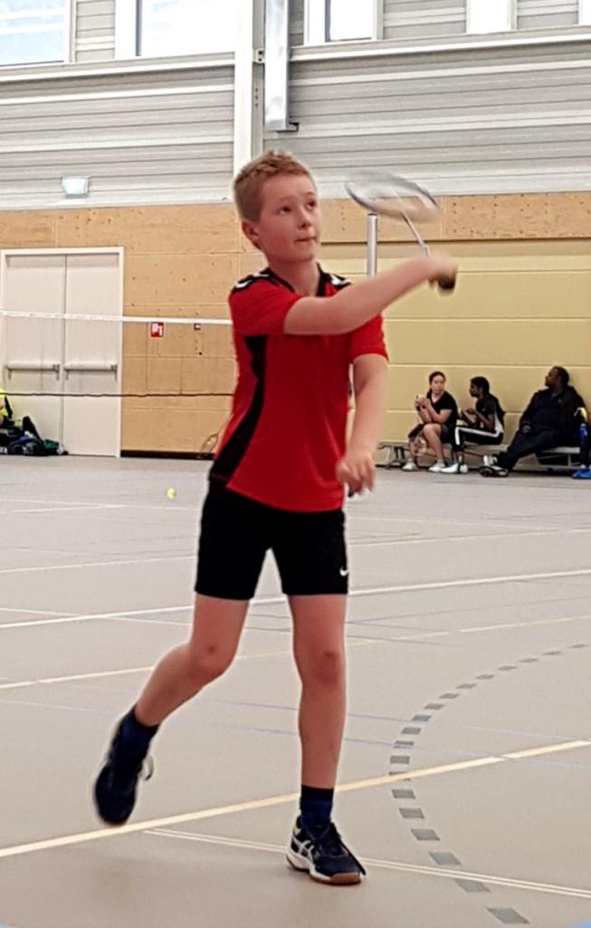 Joost houdt van badminton